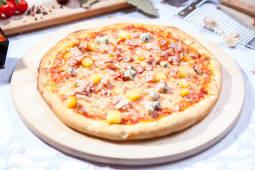 Pizza Quattro Formaggi e bacon medie