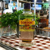 Botella de ginebra Gordon's
