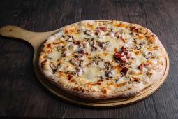 """პიცა """"კარბონარა"""" საჩუქრად 1.5ლ კოკა-კოლა"""