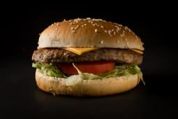 2 hamburguesas grandes + 1 papas grandes