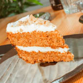 Carrot cake (1 ud.)