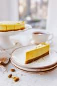 Lime, lemon&pistachio cheesecake