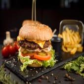 Бургер з яловичиною (240/120/50г)