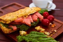 Сэндвич злаковый с семгой (1 шт.)