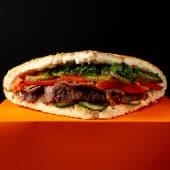 Tombik Berliner з телятиною (м'ясо в тандирній булці з овочами) (360г)