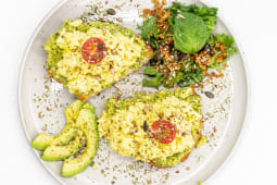 Ovos com Abacate