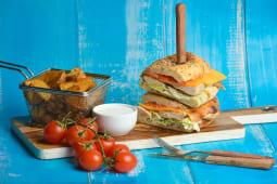 Sandwich cu piept de pui