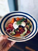 Салат із свіжих овочів з сиром з молока одеських кіз (300г)