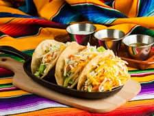 Tacos cu crispy chicken