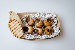 Равлики в соусі з грибами (6шт)