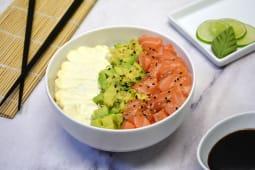 Glovomanía Chirashi salad con salmón, palta y phila