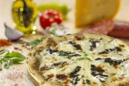 Pizza Camembert si trufe Ø 23cm