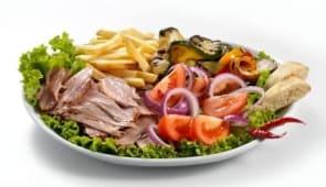 Piatto unico Kebab con Insalata Libanese con patatine