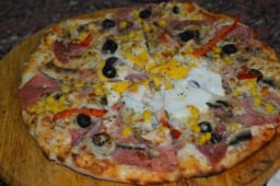Pizza Funghi Salami