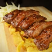 Meniu coaste de porc cu sos barbeque