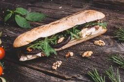Gorgonzola, nocci e pera