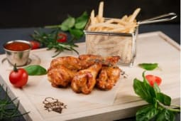 Курячі крила з картоплею «По-селянські» (430г)*