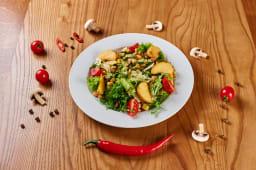 Теплий салат з куркою і цукіні (250г)