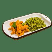 Tallarín verde con broaster