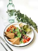 Зелений сніданок з фалафелем