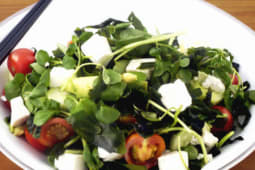 Insalata di alghe wakame e salsa ponzu