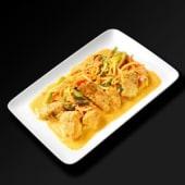Saumon au curry rouge et lait de coco