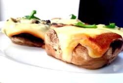 Ciuperci umplute cu mozzarella