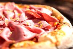 Pizza Mortaza