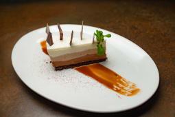 Торт три шоколади  (140г)