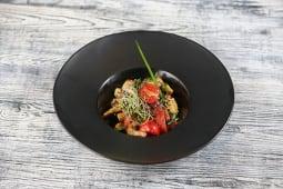 Рататуй з локальних овочів з соусом Тахіні (210г)