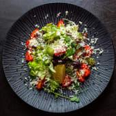 Зелений салат з чері та сиром Пармезан (200г)