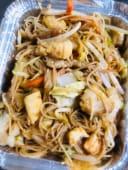 13.Spaghetti di riso con pollo, manzo e verdura