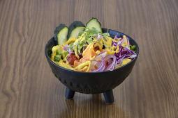 Poke bowl de bonito salvaj
