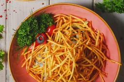 Салат с нежной телятиной и пай