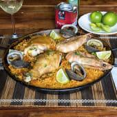 Paella de pollo, cerdo y mariscos (1 persona)