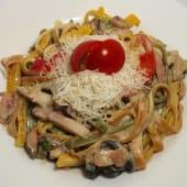 Паста Тальятеле з куркою та грибами (300г)