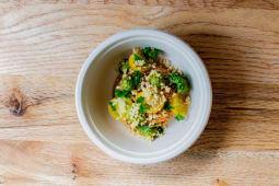 Ensalada De Quinoa Con Pesto De Tomate Seco Y Gremopesto