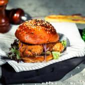 Burger cu pui și jalapenos