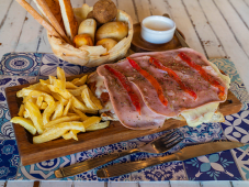 Milanesa de Carne con Jamón y Morron