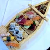 Gran misto di sushi e sashimi