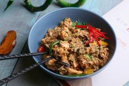 Смажений рис жасмин з лососем і лемонграсом (210г)