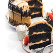 Pastel caramelo vegano con guarnición
