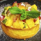 Тарт з ягодами та фруктами