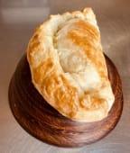 Хачапурі з сиром Сулугуні (225г)