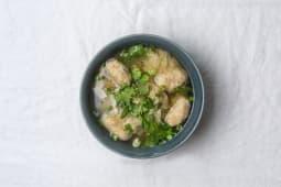 A12 Soupe de raviolis aux crevettes