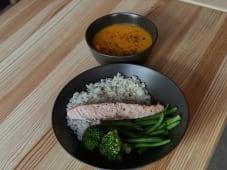 Ланч зі стейком лосося (500г)