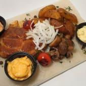 Стейк зі свинини з картоплею по-селянськи (200/150/50)