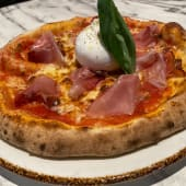 Pizza Burrata Speck