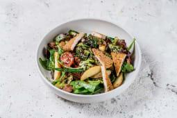 Теплий салат з соєвим м'ясом, брокколі і картоплею (300г)