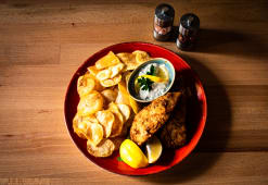 Fish & Chips cu sos tartar